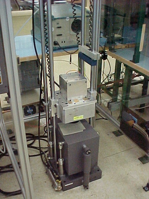 Mechanical shock testing apparatus